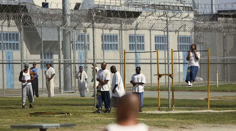 santa-clara-county-main-jail-yard-by-robert-galbraith-reuters-web